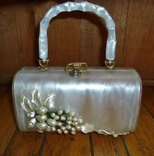 Vintage 1950s WALBORG lucite Detailed And STUNNING box  handbag.  This is probably my favorite of the lucites.