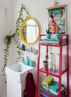 10 Small Bathroom Decorating Ideas That Are Major Goals, Home Accessories, Cute bathroom ideas! Chicago Apartment, Cute Bathroom Ideas, Bathroom Colors, Colorful Bathroom, Bathroom Small, Retro Bathroom Decor, Bling Bathroom, White Bathroom, Neutral Bathroom