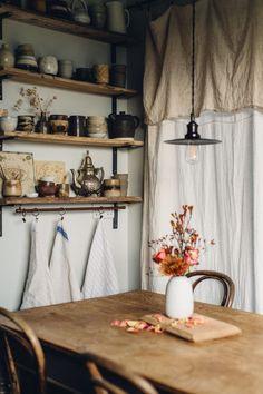 Rustic kitchen details - Maison - Décoration - Home - Interior - Home Decor Kitchen, Rustic Kitchen, Kitchen Ideas, Country Kitchen, Decorating Kitchen, Room Kitchen, Bohemian Kitchen, Kitchen Inspiration, Kitchen Living