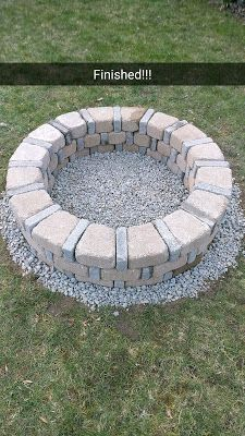 8 Masterful Tips AND Tricks: Fire Pit Wall Patio small fire pit how to build.Fire Pit Seating How To Build fire pit party house. Small Fire Pit, Diy Fire Pit, Fire Pit Wall, Wood Fire Pit, Garden Fire Pit, Fire Pit Backyard, Backyard Bbq, Backyard Seating, Modern Backyard