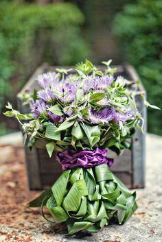 LOVE the stem treatment on this hand tie bouquet