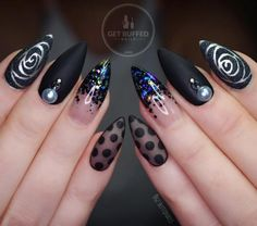 Mix design black pointy nails