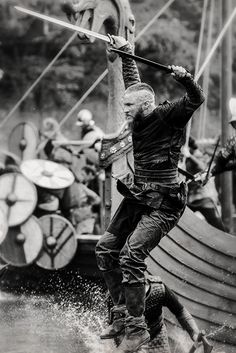 Ragnar Lothbrok • Vikings