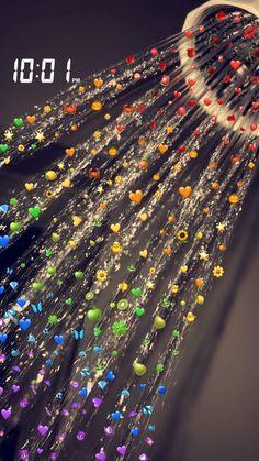 Pluies d emoji Iphone Hintegründe, Emoji Wallpaper Iphone, Cute Emoji Wallpaper, Rainbow Wallpaper, Trendy Wallpaper, Fashion Wallpaper, Black Wallpaper, Holiday Wallpaper, Wallpaper Desktop