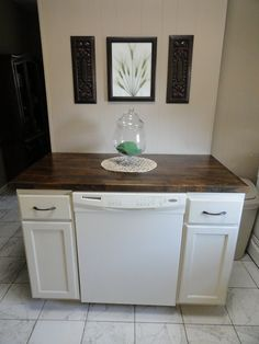 The Precious Little Things in Life: DIY Dishwasher Cabinet *Pinning this so I dont lose it. - Home Decor Idea Rustic Kitchen Island, Kitchen Island With Seating, Kitchen Islands, Portable Kitchen Island, Dishwasher Cabinet, Dishwasher Detergent, Laundry Detergent, Armoire, Portable Dishwasher