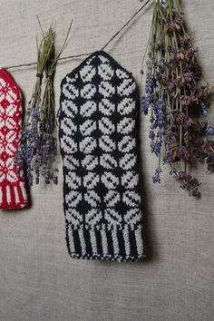 Lithuanian knitted wool mittens #Baltic