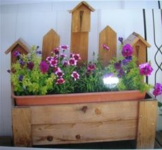 free plans woodworking resource from TrishsCrafts - free woodworking plans, planters, birdhouses, flower boxes, easy, fun crafts, beginner,