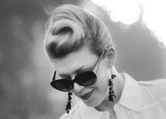 retro updo, high french twist hair tutorial from  lovemaegan.com