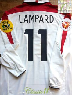 Relive Frank Lampard's Euro 2004 with this vintage Umbro England home football shirt.