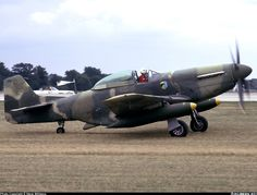 Ex-Guatemalan Air Force in the U. Still painted in Guatemalan colors. Fighter Aircraft, Fighter Jets, P51 Mustang, Flying Boat, Aviation Art, Military Aircraft, Airplanes, Wwii, Air Force