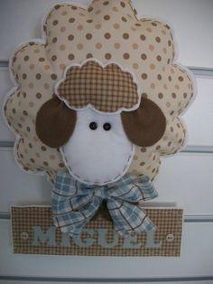 Enfeite porta maternidade ovelha - 10 itens que não pode faltar no seu enxoval de bebê com tema ovelha – Unique Arts