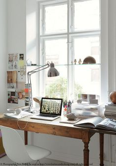Such an inviting home office, love it! Read on www.karinecandicekong.com