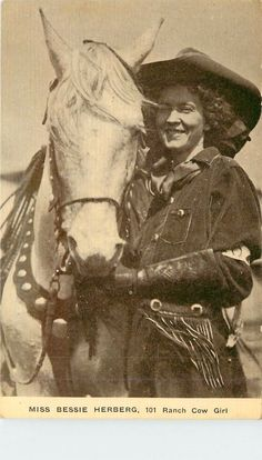 101 Ranch - Oklahoma - Bessie Herberg - Cow Girl - Kraus Mfg Postcard - 6394 Vintage Cowgirl, Vintage Horse, Vintage Art, Old West Outlaws, Old West Photos, Girl Actors, Oklahoma, Classic Portraits, Horse Names