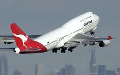 Qantas Boeing Would love to fly on this big bird. Qantas Boeing Would love to fly on this big bird. – empfohlen von First Class and Boeing 747 400, Boeing Aircraft, Commercial Plane, Commercial Aircraft, Thermal Spraying, Aeroplane Flying, Qantas Airlines, Helicopter Cockpit, Australian Airlines