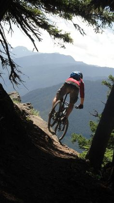 #UltimateBucketList: Mountain Biking | Palisades Trail by Mt. Rainier in Washington. Epic ride with over 4,700 feet of climbing.
