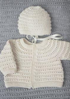 Designene i denne hentesett katalogen strikkes i Dale Baby ull som er spunnet av den beste kvalitetsullen fra merinosauen. Ullen er grundig kjemmet slik at plaggene føles myke og behagelige mot barnets hud. Plaggene tåler maskinvask og holder seg fine etter lang tids bruk. Oppskriftsheftet selges kun sammen med garn. Knitting For Kids, Baby Knitting Patterns, Crochet Baby, Knit Crochet, Baby Layette, Happy Baby, Baby Dress, Baby Gifts, Girl Outfits