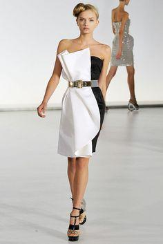 Gianfranco Ferré Spring 2009 Ready-to-Wear Fashion Show - Lily Donaldson