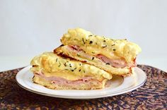 This is an incredible version of classic croque monsieur. Buttery bread, luscious béchamel, smoked ham and smoked gouda make for one incredible sandwich. Wrap Recipes, Milk Recipes, Easy Recipes, Dinner Recipes, Deli Ham, Smoked Gouda, Easy Eat, Cauliflower Crust Pizza, Slice Of Bread