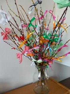 Virpomisvitsa Easter Crafts To Make, Easy Crafts For Kids, Hallows Eve, Glass Vase, Halloween, Anna, Diy, Bricolage, Do It Yourself