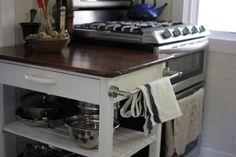 Refinish a big box store wooden kitchen cart for a luxe look. Wooden Kitchen, Diy Kitchen, Kitchen Ideas, Pantry Ideas, Kitchen Tables, Vintage Kitchen, Kitchen Trolley, Diy Shows, Diy Furniture
