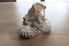 Crochet baby sandalsHandmade baby shoes by missliliscrochetshop