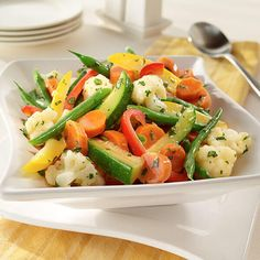 Steamed Vegetables With Herb Stir-Ins Recipe Steam Vegetables Recipes, Steamed Vegetables, Vegetable Recipes, Dinner Recipes For Kids, Healthy Dinner Recipes, Healthy Snacks, Healthy Cooking, Healthy Life, Sharon Stone