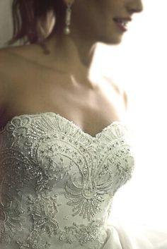 "Corston Couture's ""Diva"" Gown #corstoncouture #corstoncouture #corston #couture #juliajohnstonphotos #beadedlace #straplessbodice #straplessdress"