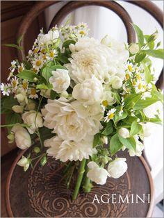 小花とダリアのクラッチブーケ - Wedding bouquet - AGEMINI