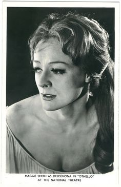 National Theatre. Maggie Smith (Desdemona) by Performing Arts / Artes Escénicas, via Flickr