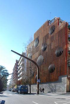 david bravo salvà · Rehabilitación de una medianera en Barcelona · Divisare