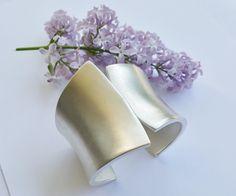 Silberarmbänder - Armreif Spange - KONVEX - aus 925 Silber gefertigt - ein Designerstück von Black-Lotus-by-Vera-Kreuzer bei DaWanda
