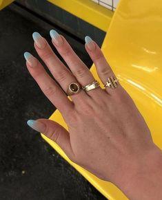 Minimalist Nails, Winter Nail Art, Winter Nails, Nail Ring, Nail Nail, Dream Nails, Cute Acrylic Nails, Nagel Gel, Blue Nails