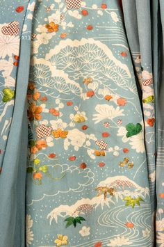 Kimono dressing gown - Japan - 1888 FIDM museum, Los Angeles, US Link here