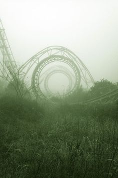 Abandoned Roller Coaster... Awesomee
