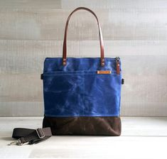 WAXED CANVAS TOTE in Blue and Brown ZiPPERED d03306c79c8c5