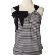 teeshirt redos | DIY t-shirt, cut up, sewn up, bow inserted.