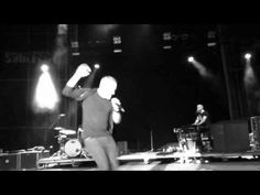 ▶ Chris Tomlin-Gods Great Dance Floor Live (Soulfest 2013) - YouTube YEAH, I WAS THERE!!!! AWESOME!