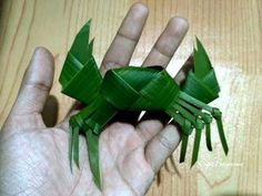 How To Make A Bird From Coconut Leaves? | Khmer Traditional | Cambodia - YouTube Flax Weaving, Paper Weaving, Basket Weaving, Leaf Crafts, Diy And Crafts, Paper Crafts, Sea Creatures Crafts, Birch Bark Crafts, Palm Frond Art