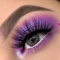 Purple Eyeshadow Looks, Purple Makeup Looks, Purple Eye Makeup, Makeup Eye Looks, Eye Makeup Art, Eyeshadow Makeup, Galaxy Eyeshadow, White Eye Makeup, Bright Eye Makeup