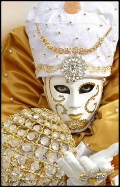 Carnaval de Venise 2014. Avec Giorgio Cauchi.- http://www.pixable.com/share/61w6b/?tracksrc=SHPNAND2&utm_medium=viral&utm_source=pinterest