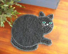 Hand Crocheted  Cat Rug によく似た商品を Etsy で探す
