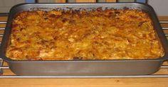 En förträfflig bjudrätt som man kan förbereda dagen före och ställa in i ugnen och gratinera när det är matdags. Ha då inte över det i en form utan ha allt i skålen och blanda ihop. Ha sen över det i en form när du ska grädda/gratinera.