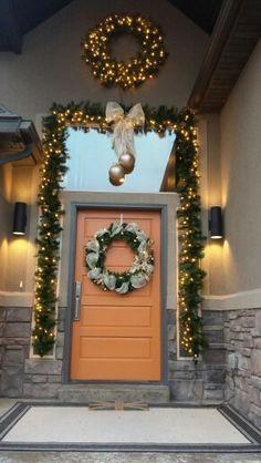 Christmas door, Wreath, working with orange front door. Modern.