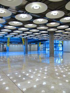 Madrid airport, baggage claim area. G Erostarbe