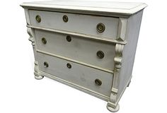 country-style 3-drawer chest