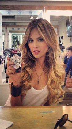 Eiza Gonzalez Love her hair!