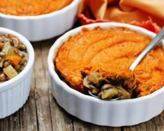 Mini hachis Parmentier végétariens à la patate douce et aux lentilles : http://www.fourchette-et-bikini.fr/recettes/recettes-minceur/mini-hachis-parmentier-vegetariens-a-la-patate-douce-et-aux-lentilles.html
