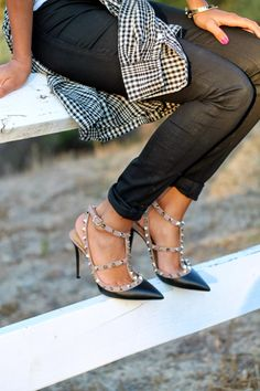 @Pursuit of Shoes (Ashley Torres) in valentinos. #shoeenvy