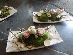 easter floral composition www. Arte Floral, Deco Floral, Easter Flowers, Spring Flowers, Table Arrangements, Floral Arrangements, Easter Table, Easter Eggs, Easter Wreaths