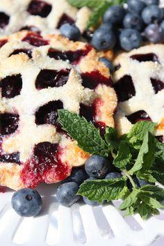 StoneGable: WOW Factor Dessert, Cutie Pies! ws pie maker, must get!!